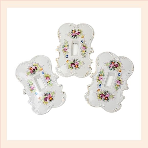 Vintage 3 Princess Floral White Gold Wallplates